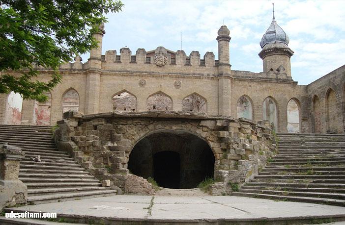 Красивый вид - замок в с. Петровка, Одесской области