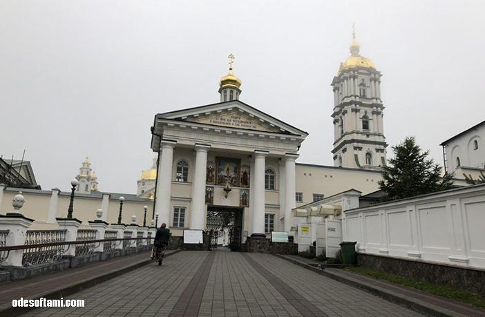 На службу в Почаевскую Лавру - odesoftami.com