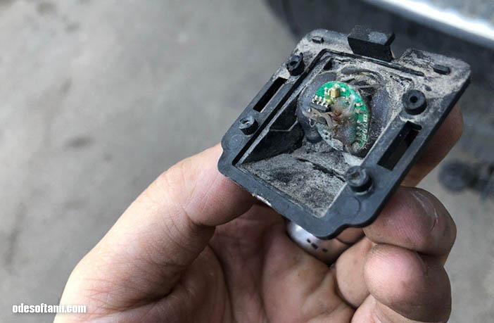 Камера заднего вида в Outlander XL