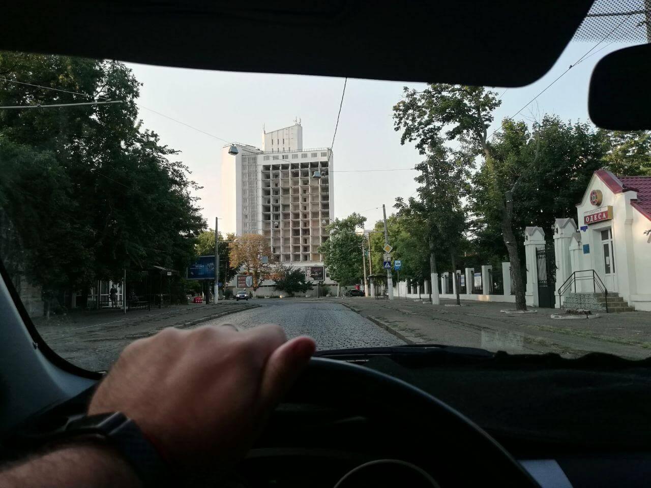 Фасад гостиницы Юнность