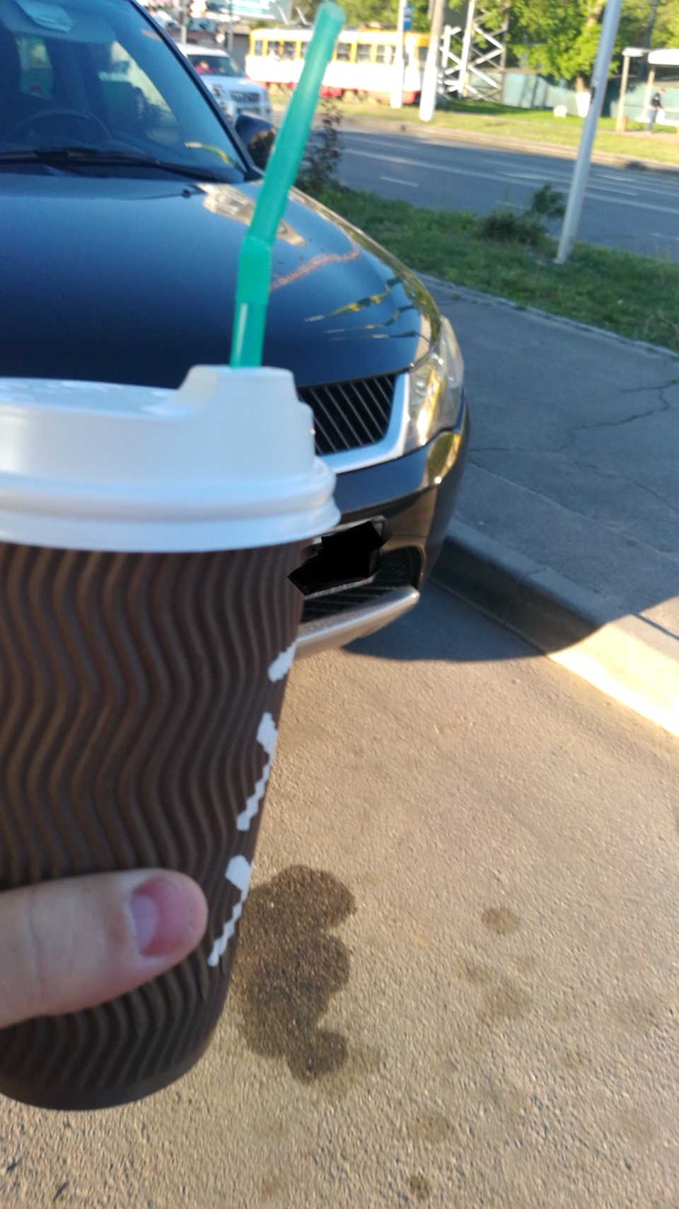 Кому бензина а кому и кофе с молоко... WOG...