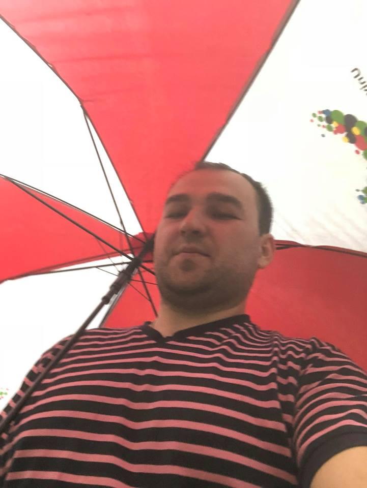 Что мне ливень что мне дождь ?