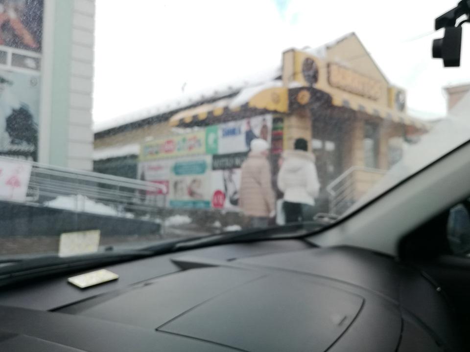 Часть 3. Немного Киева, Умани вкусного обеда и снежный путь домой...