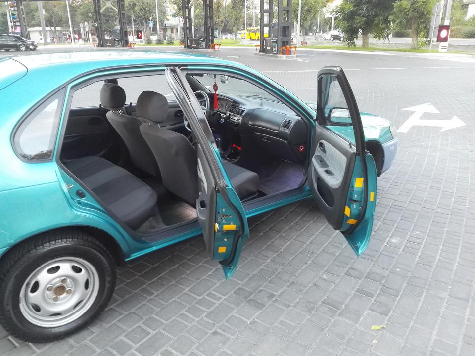 Оригинальные чехлы для Toyota Corolla Ae100